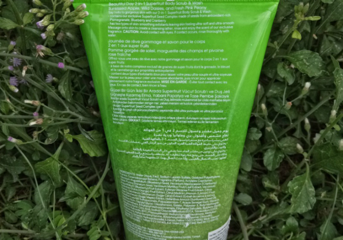 Review-bath-and-body-works-day-superfruit-body-scrub-wash-2-in-1-12