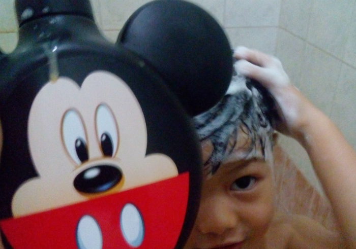 Review-eskulin-kids-shampoo-and-conditioner-mickey-14