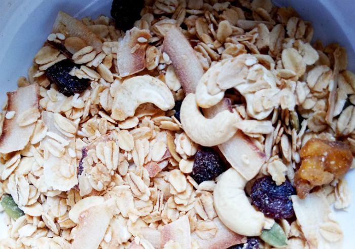 Review-granola-creations-toasted-muesli-tropical-fruits-and-nuts-14