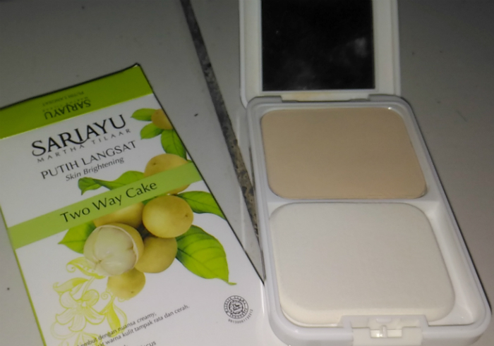 Review-sariayu-putih-langsat-two-way-cake-30