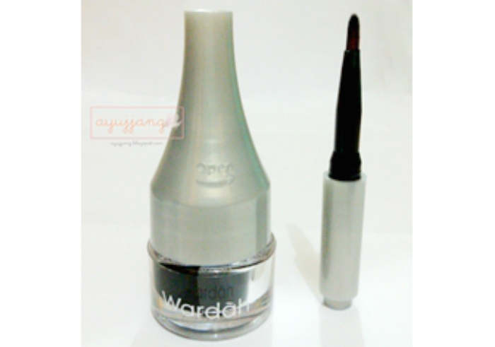 Review-wardah-eyeliner-staylast-gel-23