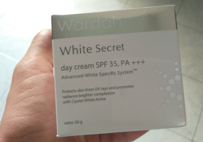 Review-wardah-white-secret-day-cream-11