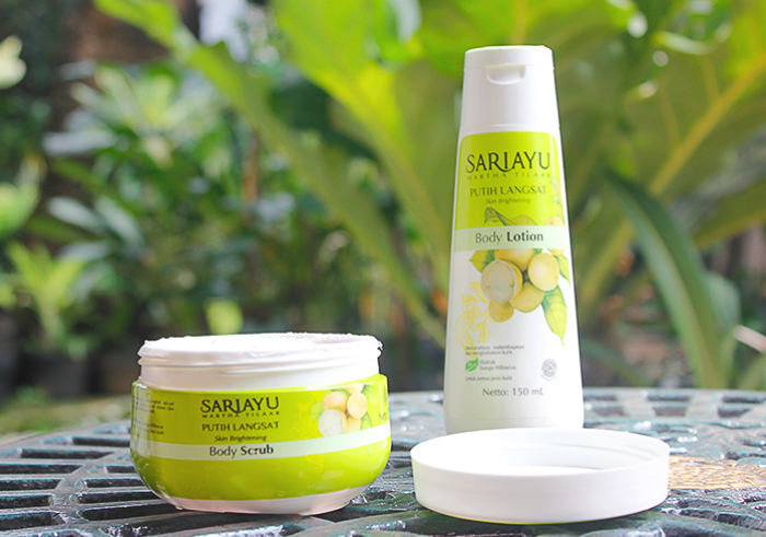 review gratis Sariayu Putih Langsat Body Scrub dan Body Lotion