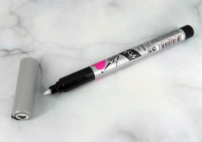 review gratis Sally Hansen Nail Art Pen Silver