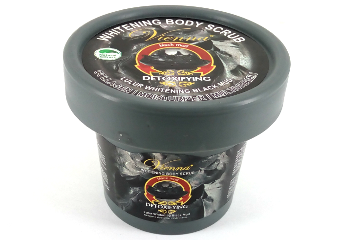review gratis Vienna Whitening Body Scrub Black Mud