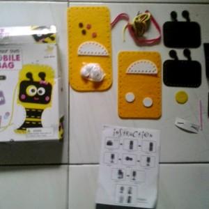 gambar review ke-1 untuk Sew-Star Sew Your Own Mobile Bag