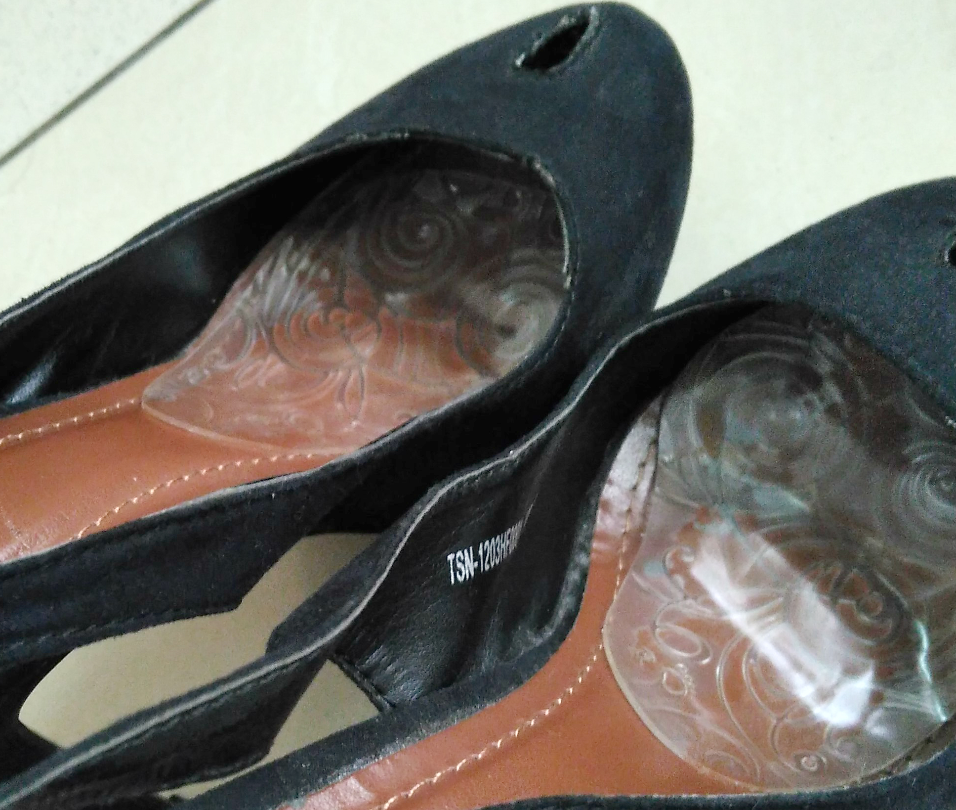 gambar review ke-1 untuk Kiwi Shoe Passion Gel Cushion