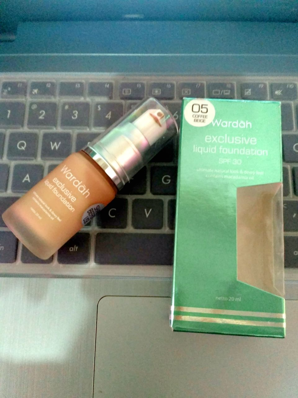 image review Wardah Exclusive Liquid Foundation