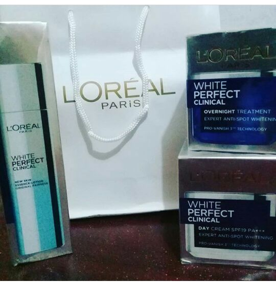 gambar review ke-2 untuk L'oreal Paris White Perfect Clinical Essence Lotion