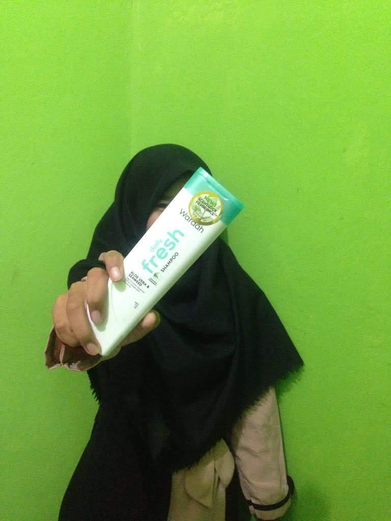 gambar review ke-1 untuk Wardah Daily Fresh Shampoo