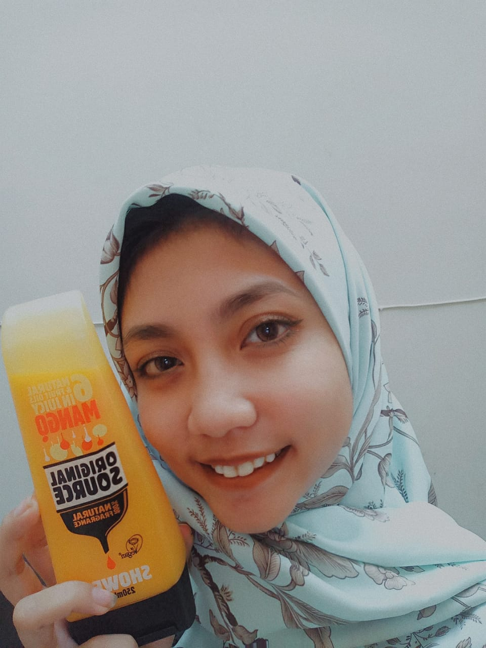gambar review ke-1 untuk Original Source Mango Shower