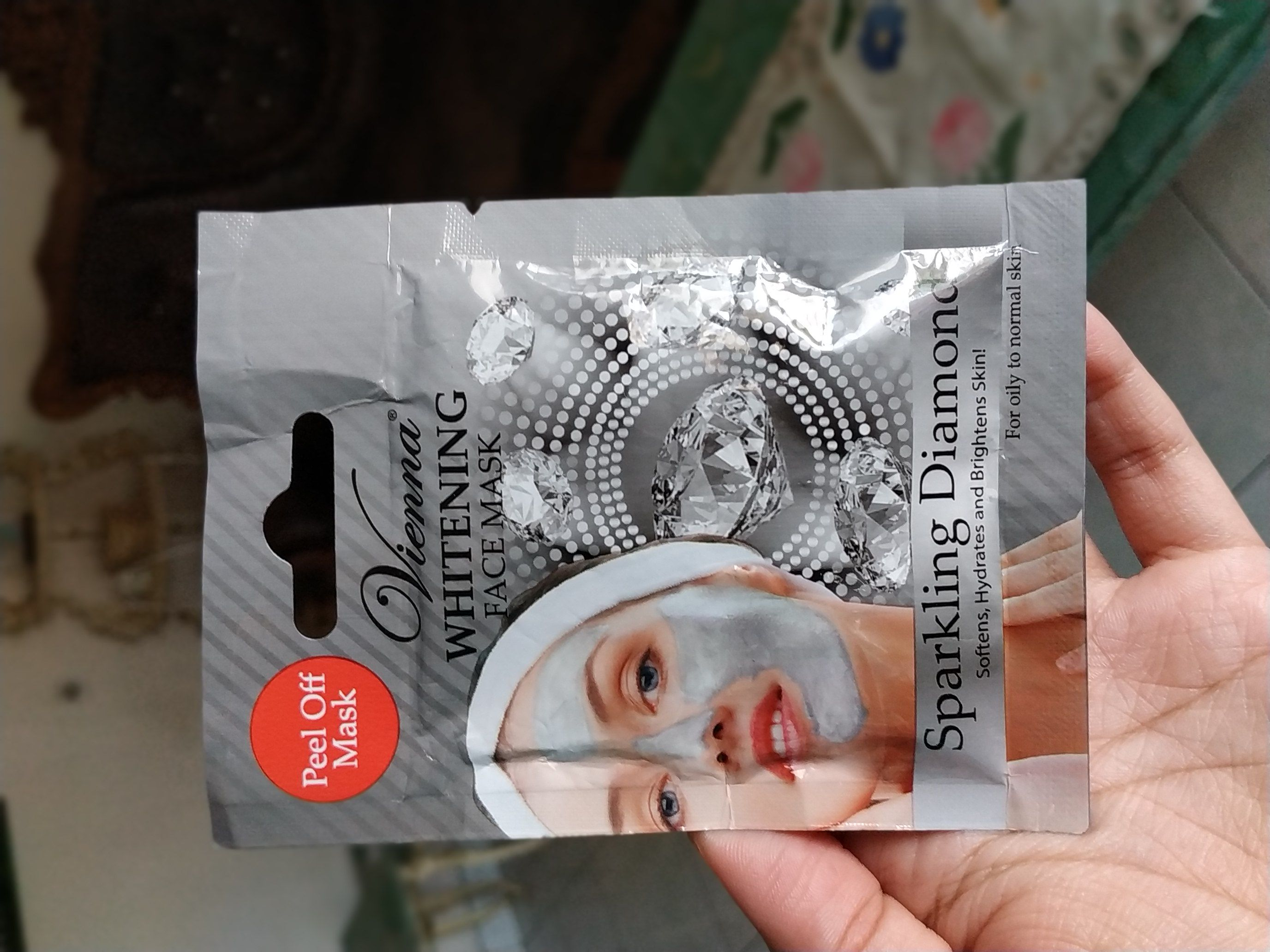 image review Vienna Whitening Face Mask Sparkling Diamond