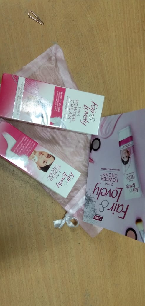 image review Fair & Lovely 2 in 1 Powder Cream