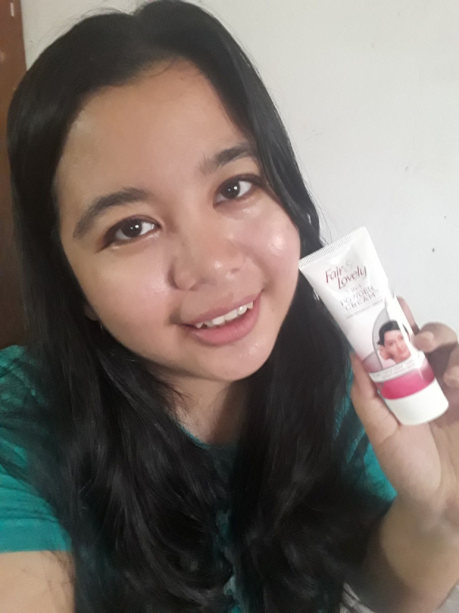 gambar review ke-9 untuk Fair & Lovely 2 in 1 Powder Cream