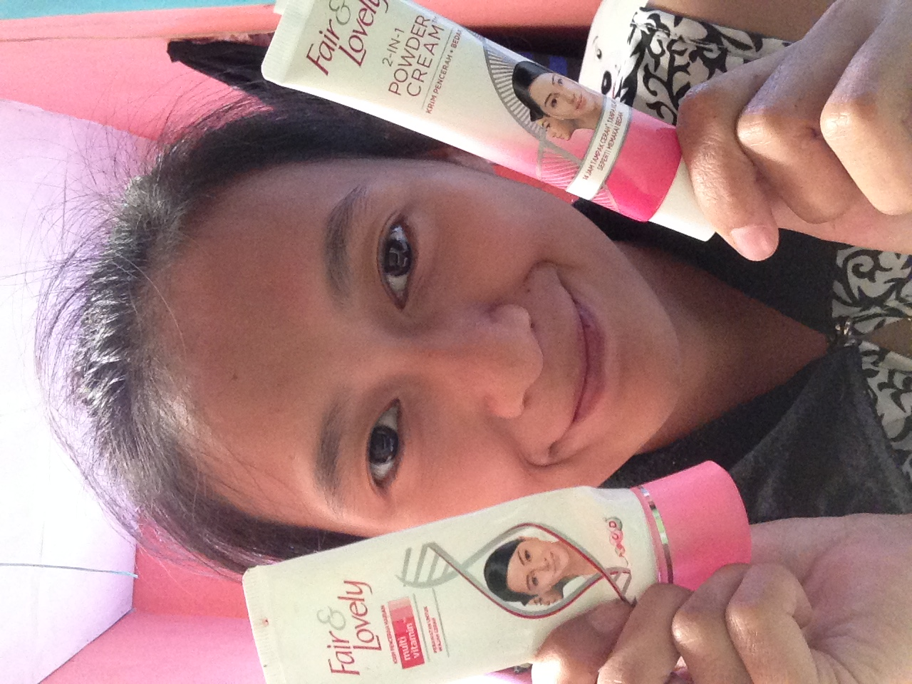 gambar review ke-4 untuk Fair & Lovely 2 in 1 Powder Cream