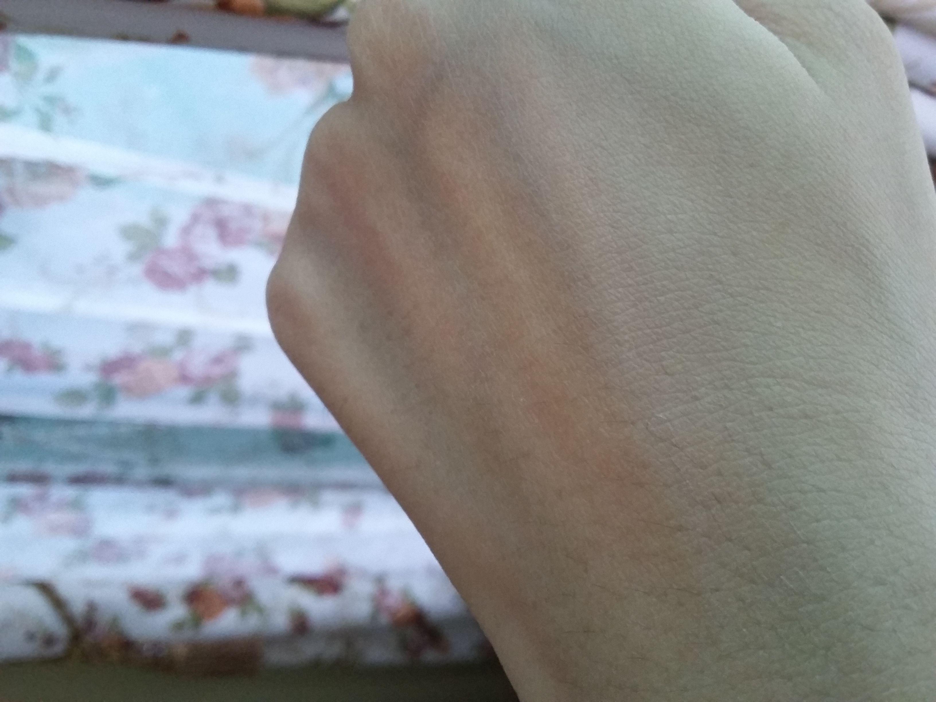 gambar review ke-4 untuk Fair & Lovely 2 in 1 Powder Cream