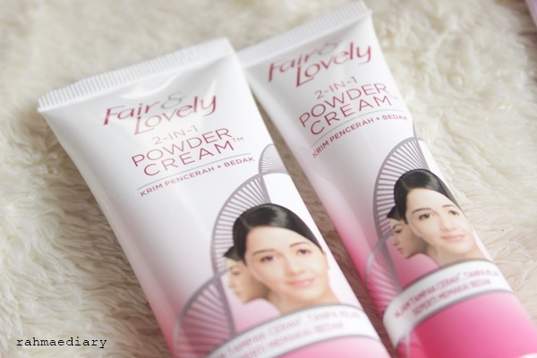 gambar review ke-5 untuk Fair & Lovely 2 in 1 Powder Cream