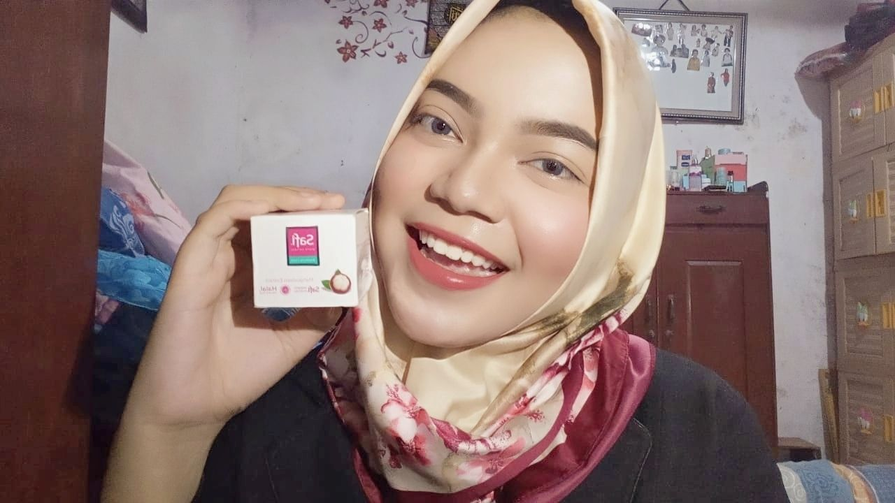 gambar review ke-1 untuk SAFI White Natural Brightening Cream Mangosteen Extract