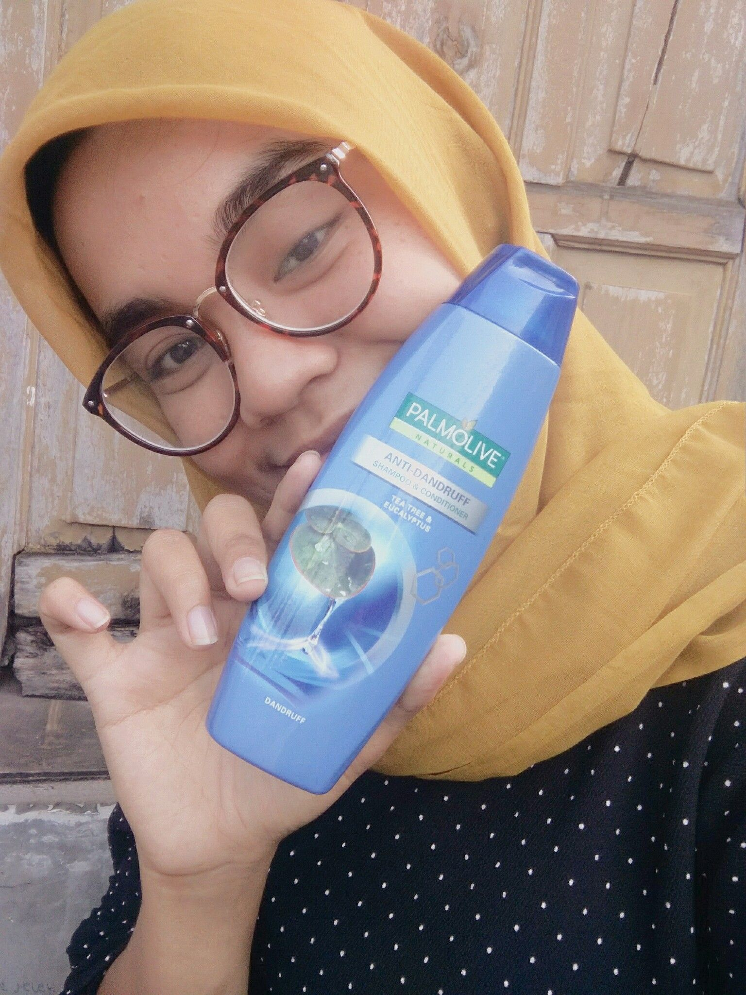 gambar review ke-1 untuk Palmolive Shampoo - Anti Dandruff