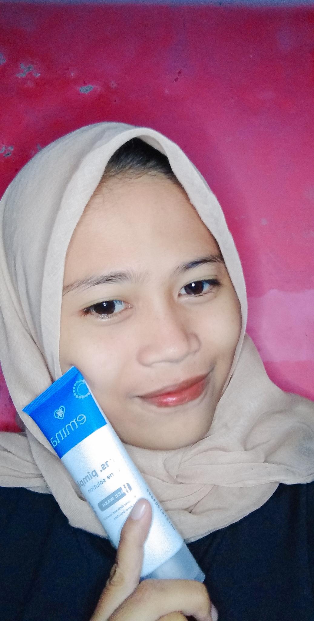 gambar review ke-2 untuk Emina Ms. Pimple Face Wash