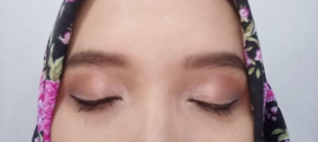 gambar review ke-1 untuk Madame Gie Eyeshadow Moondust Temptation