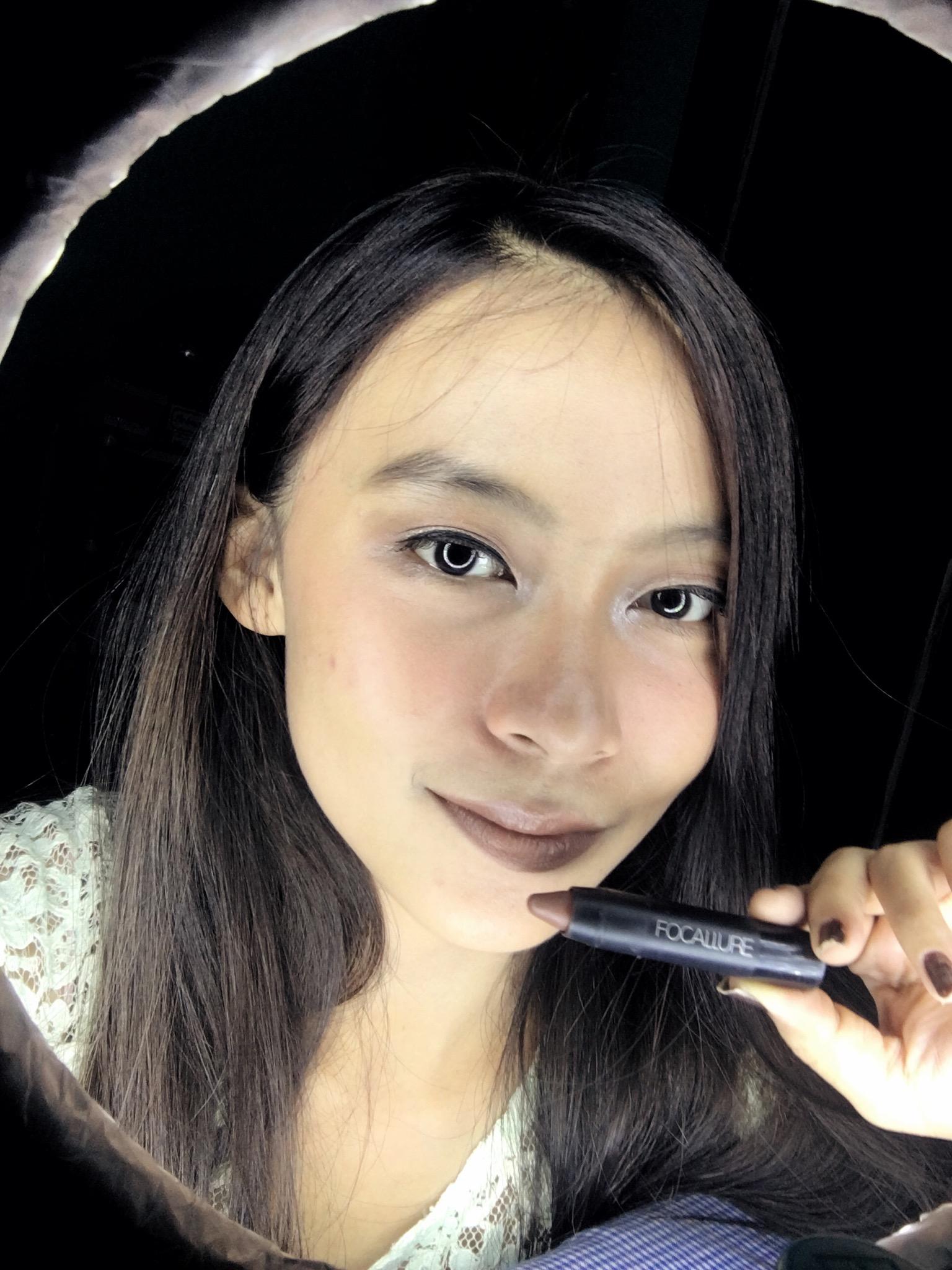 gambar review ke-3 untuk Focallure Lipstick Matte