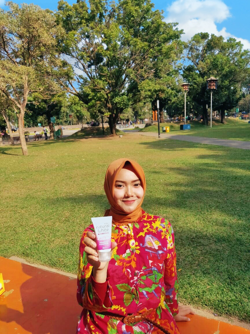 gambar review ke-8 untuk Olay Natural White Foaming Cleanser
