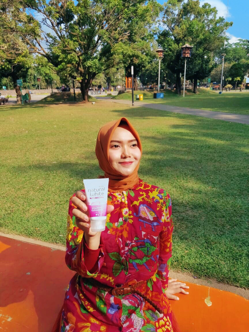 gambar review ke-7 untuk Olay Natural White Foaming Cleanser