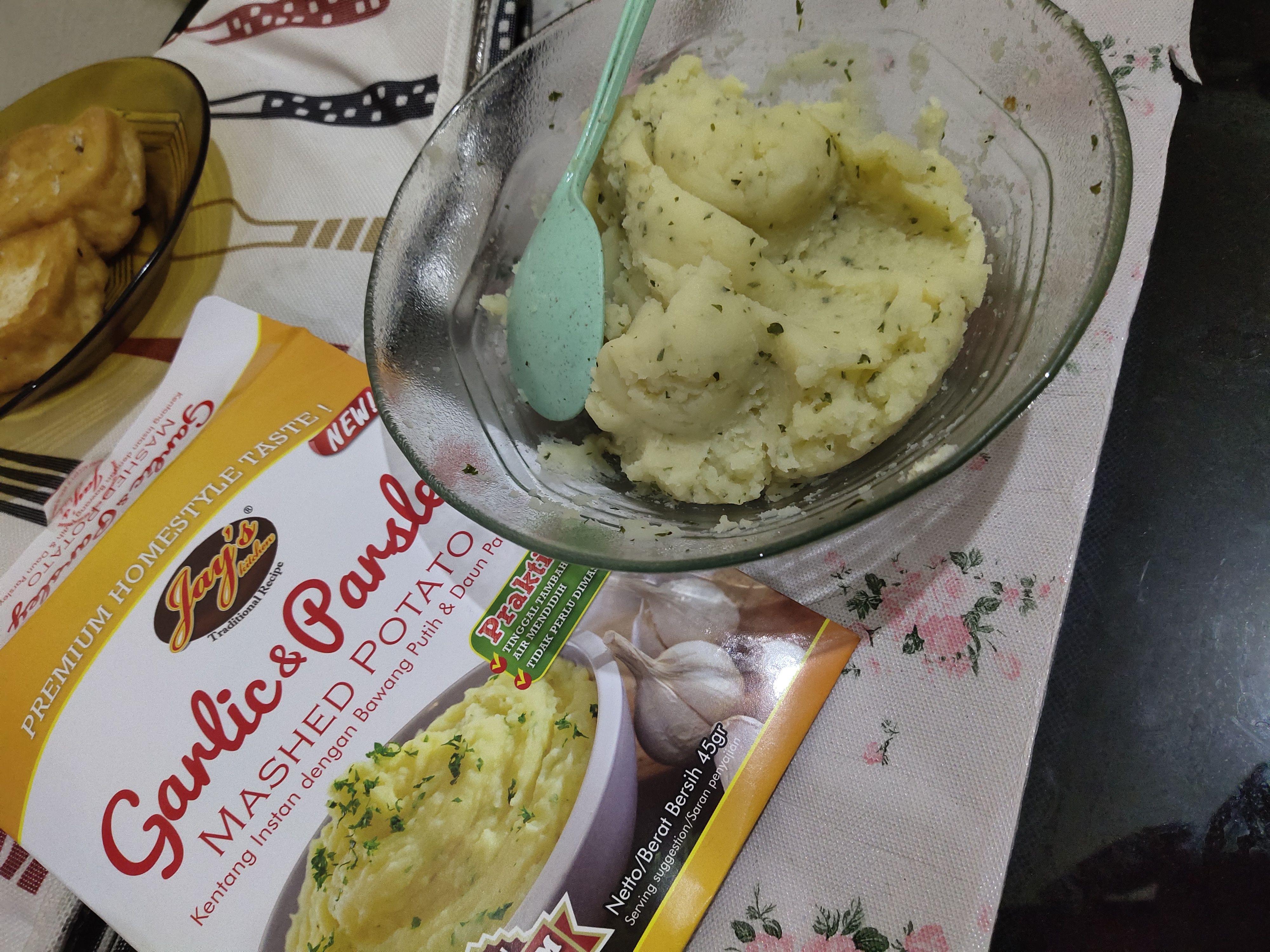 gambar review ke-2 untuk Jay's Kitchen Garlic and Parsley Mashed Potato