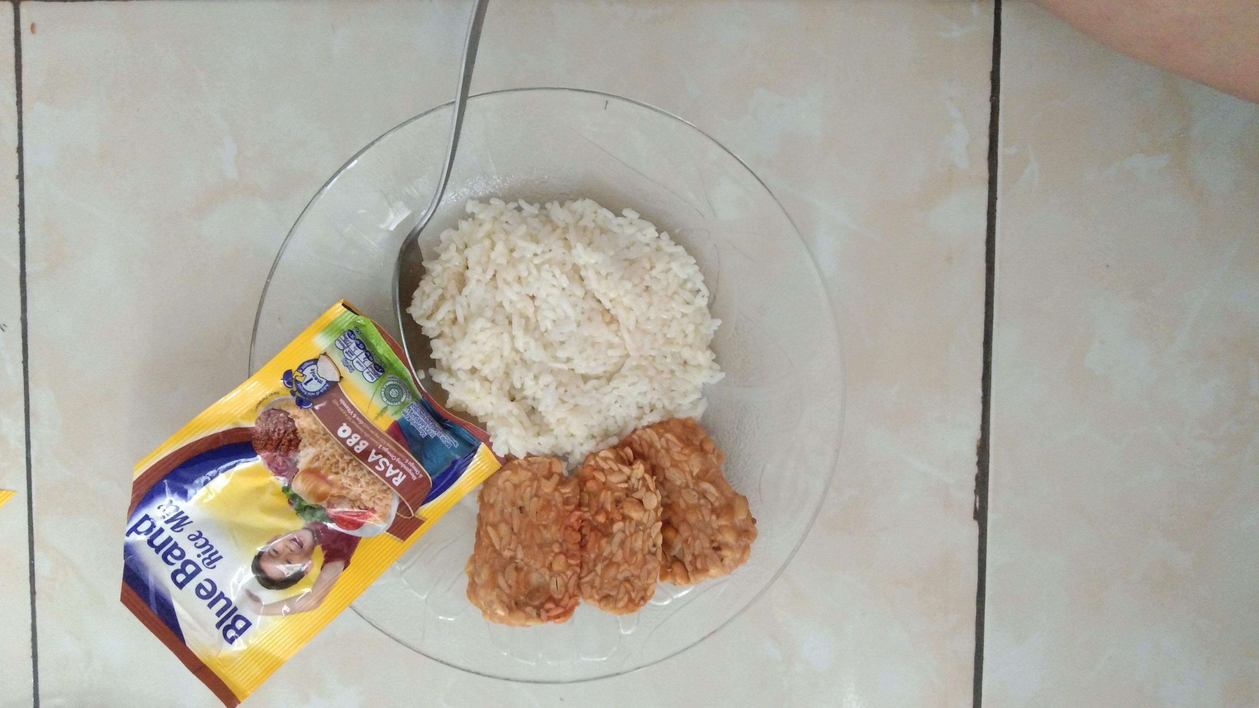 gambar review ke-1 untuk Blue Band Rice Mix Rasa Ayam & BBQ