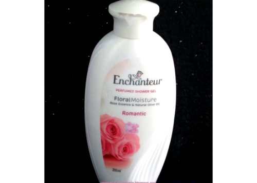 gambar review ke-1 untuk Enchanteur Perfumed Shower Gel Romantic
