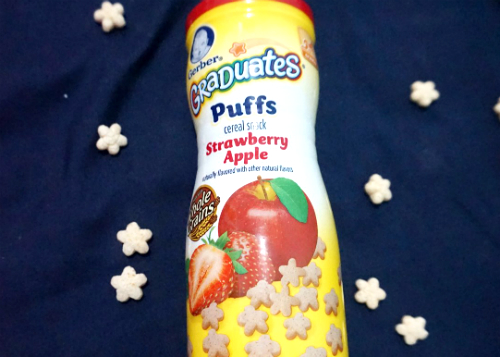 gambar review ke-1 untuk Gerber Graduates Puffs Strawberry Apple