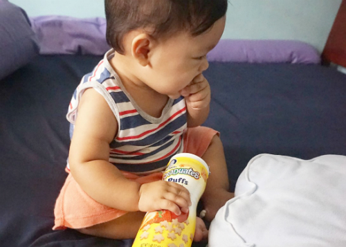 gambar review ke-3 untuk Gerber Graduates Puffs Strawberry Apple