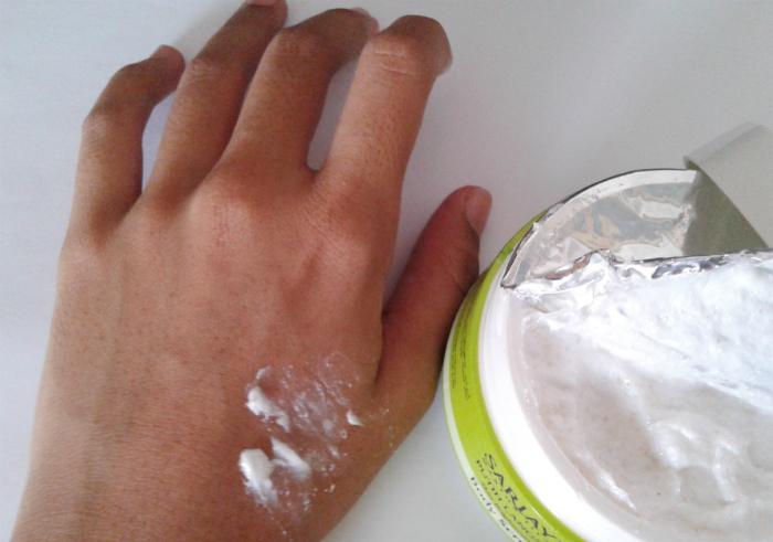 gambar review ke-2 untuk Sariayu Putih Langsat Skin Brightening Body Scrub