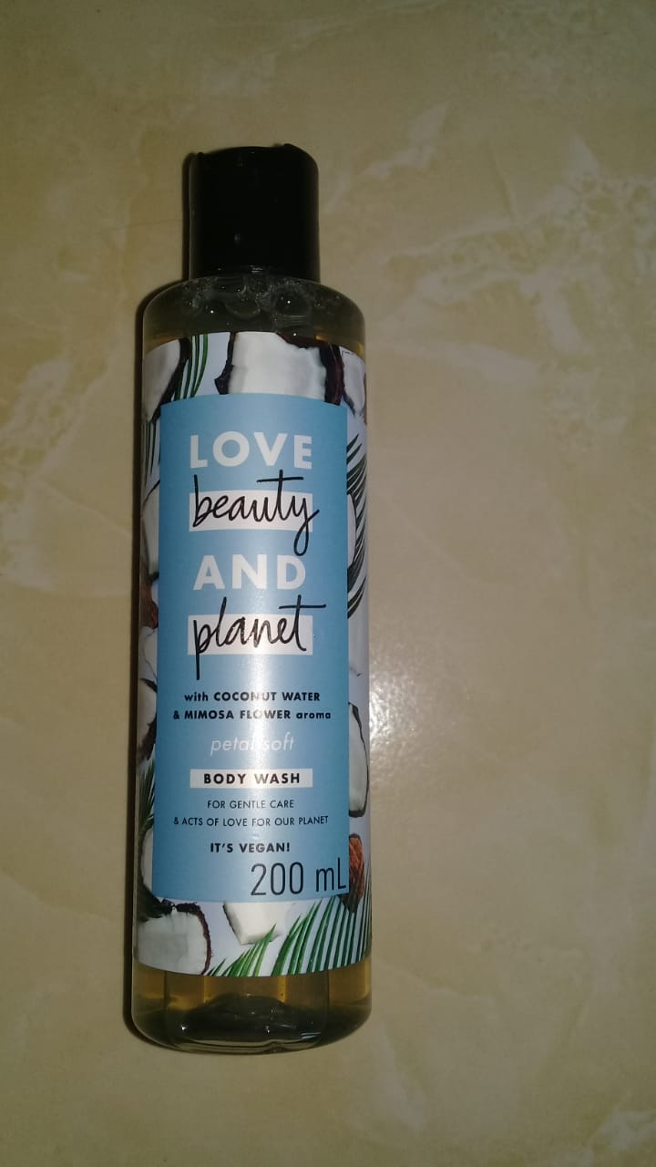 image review Love Beauty & Planet Body Wash Coconut Water & Mimosa Flower
