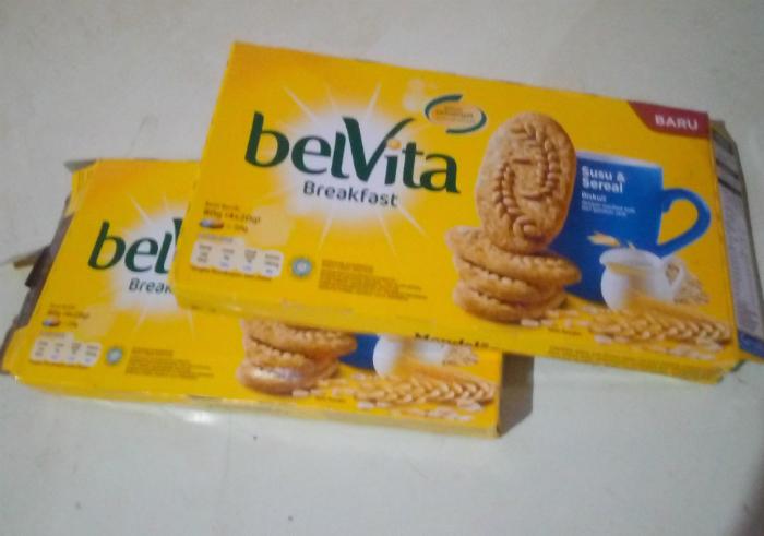 image review Biskuit Belvita Breakfast