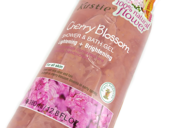 gambar review ke-1 untuk Kustie Shower & Bath Gel Cherry Blossom