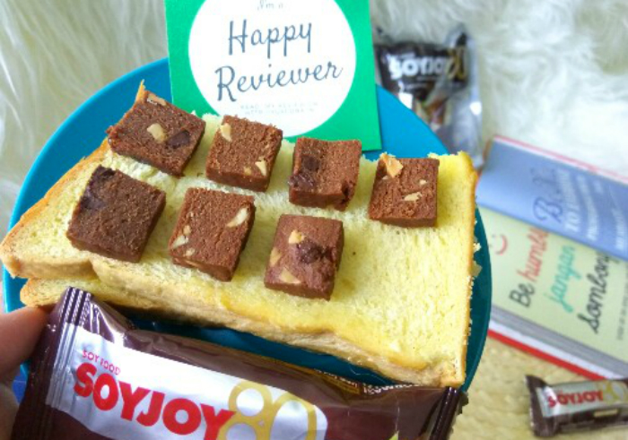 image review Snack Bar Soyjoy Almond & Chocolate