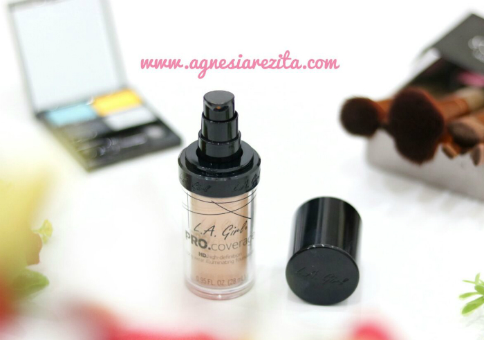 image review LA Girl Pro Coverage Illuminating Foundation Soft Honey