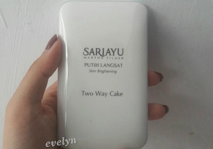 gambar review ke-1 untuk Sariayu Putih Langsat Two Way Cake