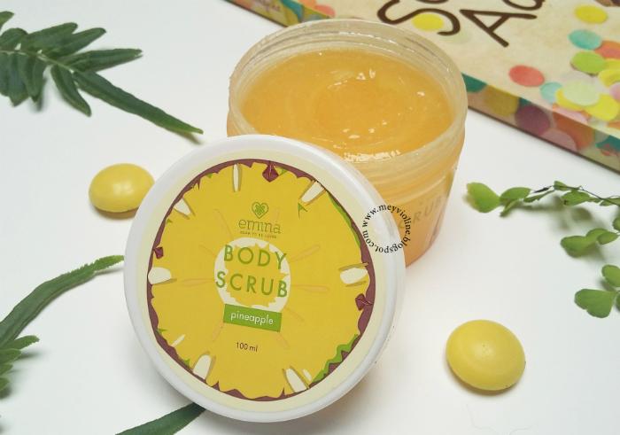 gambar review ke-1 untuk Emina Body Scrub Pineapple