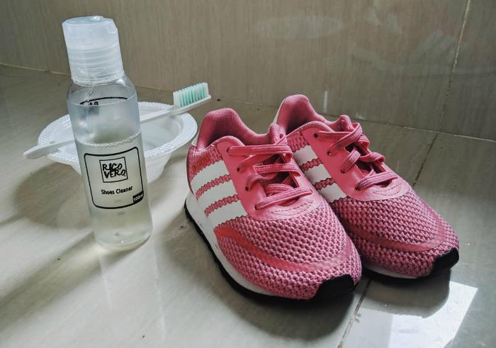 gambar review ke-2 untuk Ricovero Shoes Cleaner
