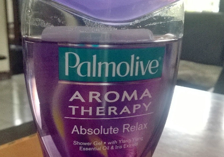 gambar review ke-1 untuk Palmolive Aroma Therapy Absolute Relax Shower Gel