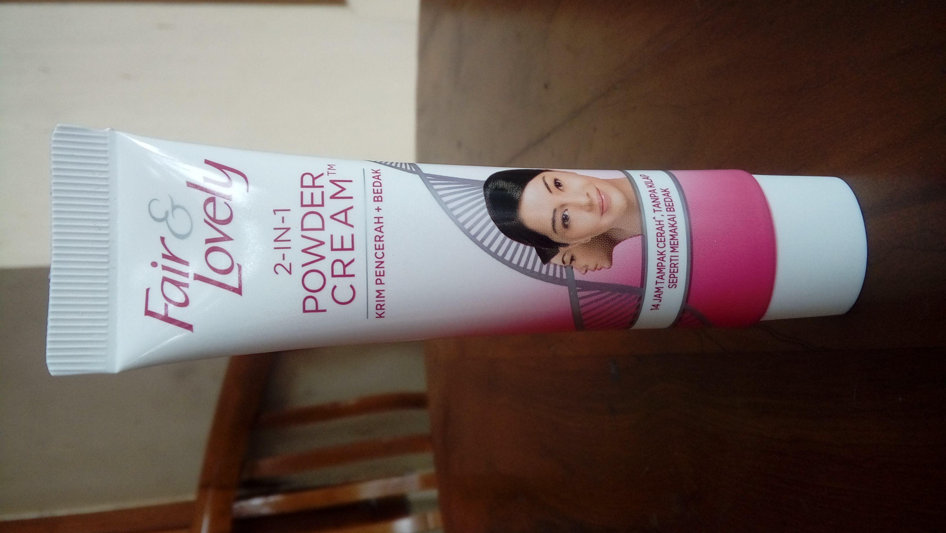 gambar review ke-1 untuk Fair & Lovely 2 in 1 Powder Cream
