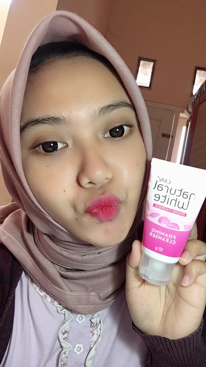 gambar review ke-12 untuk Olay Natural White Foaming Cleanser