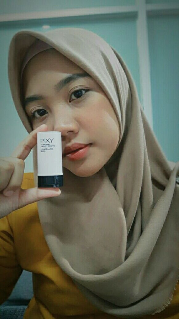 Pixy Uv Whitening Concealing Base look natural