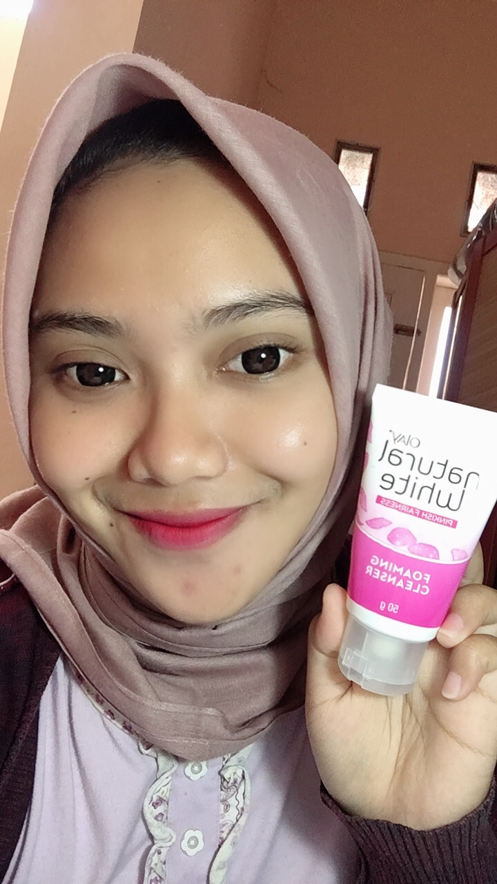 gambar review ke-11 untuk Olay Natural White Foaming Cleanser
