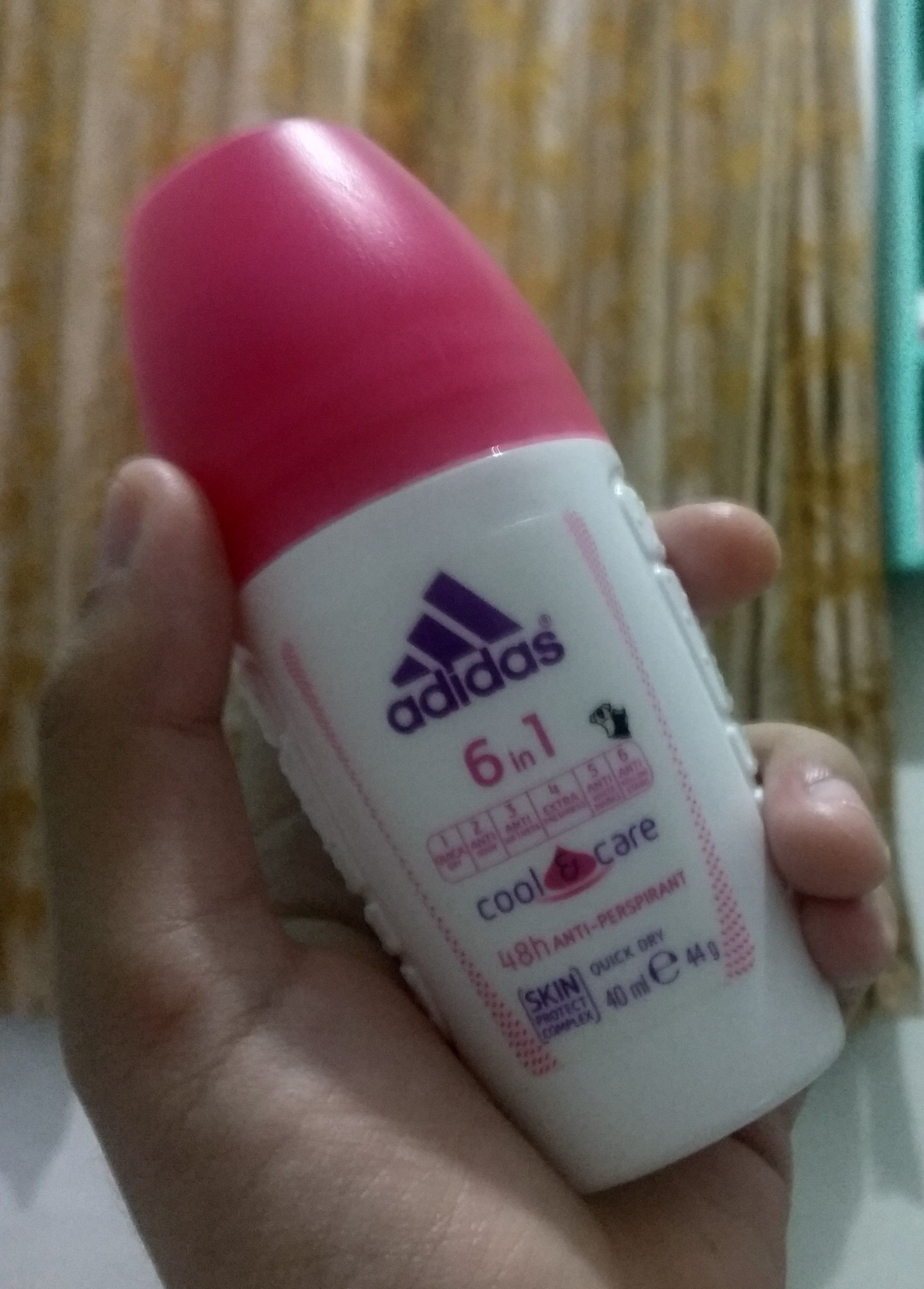 Adidas 6 in 1 Cool & Care Deodorant Roll-on, deodorant untuk kamu si aktif